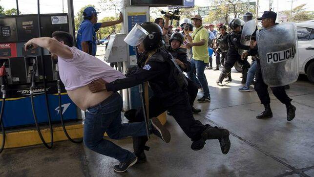 España condena represión de manifestantes