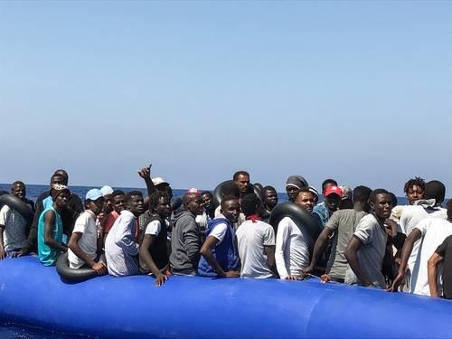 Rescata Ocean Viking a 175 migrantes en costas de Libia