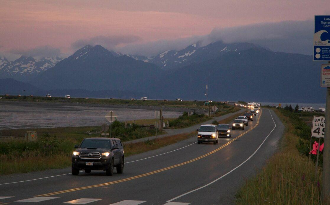 Cancelan alerta de tsunami tras terremoto de 8.2 en Alaska
