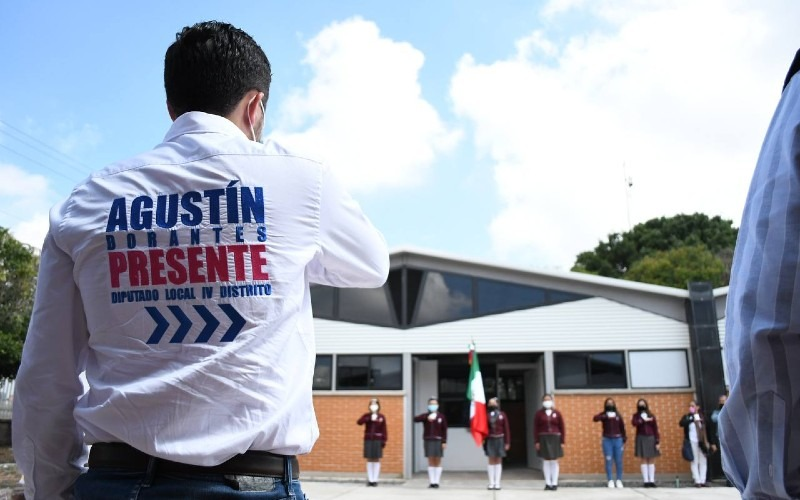 Benefician a mil 725 alumnos del COBAQ 13, con nuevas aulas: Agustín Dorantes
